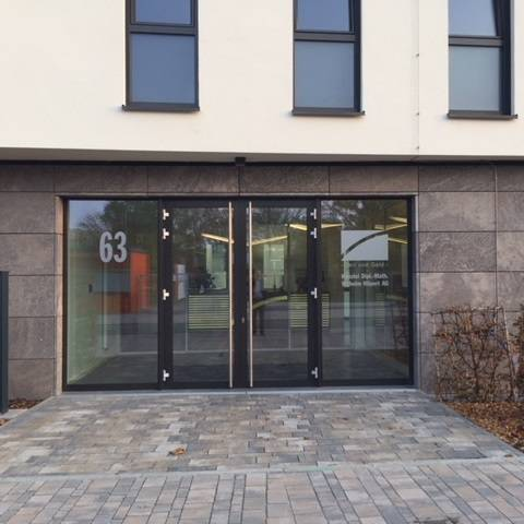 Eingang Firmengebäude